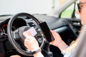 Téléphone au volant : les sanctions et statistiques 1