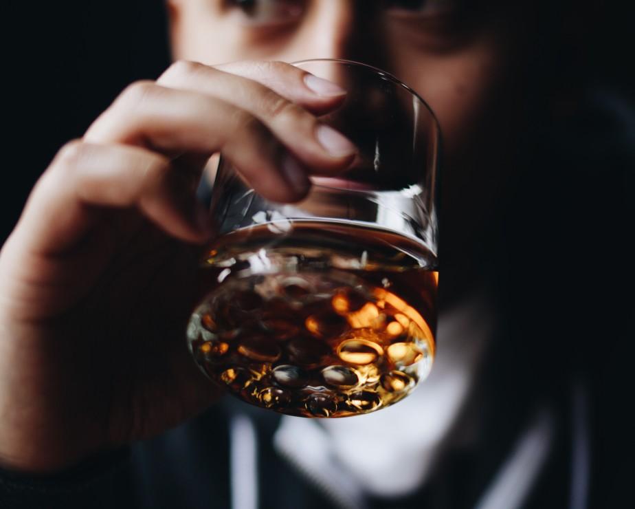 Les effets de l'alcool sur la confiance en soi
