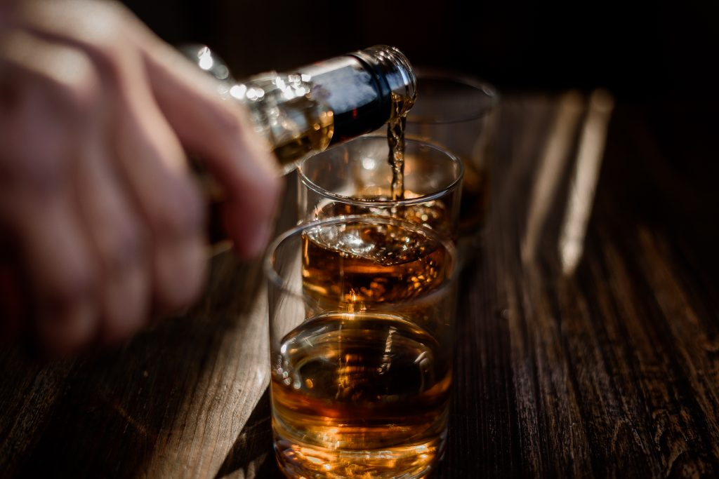 Comment utiliser le signe de Romberg pour lutter contre l'alcoolisme