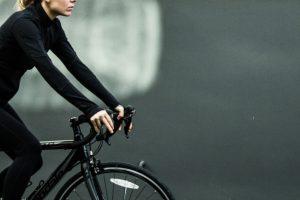 Vélo et santé, femme pratiquant du vélo
